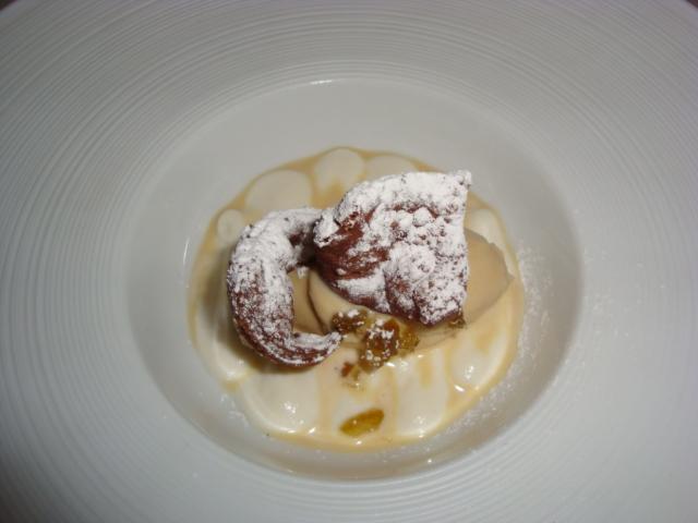 cannolo aperto con gelato al marsala e chinotto
