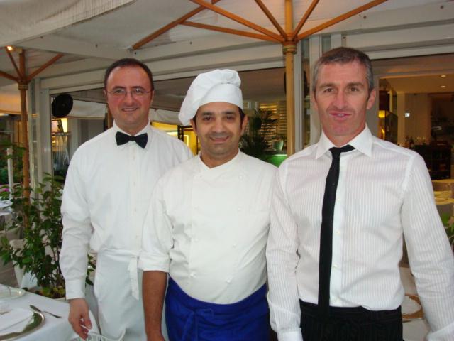 il maitre Mario Marinelli, lo chef Giuseppe Graziani e il sommelier Gianluca Olmi