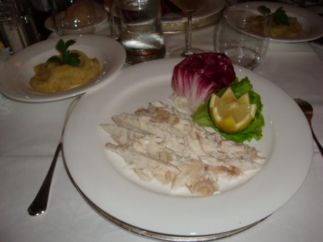 branzino di Orbetello al sale dolce della salina Camillona di Cervia con patate schiacciate con sale di Cervia ed olio extravergine
