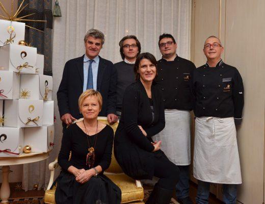 la famiglia Cederle, Davide Piva e i rappresentante della Longino & Cardenal e dell'azienda Piovene Porto Godi