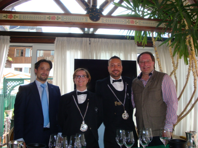 Thibalut Nguyen e Ian D'Agata con i sommelier di GustoCortina 2013