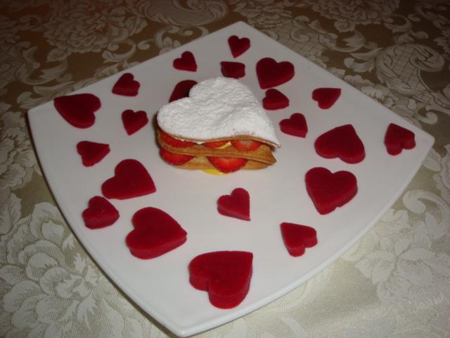 Millefoglie di fragole con gelatina di lamponi