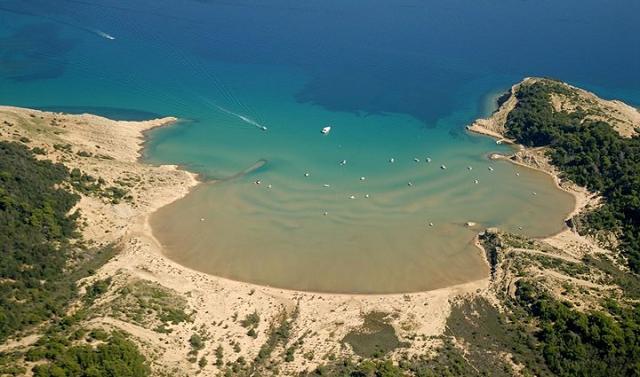 spiaggia sabbiosa di Lopar