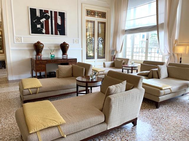 uno dei salotti del Grand Hotel Principe di Piemonte
