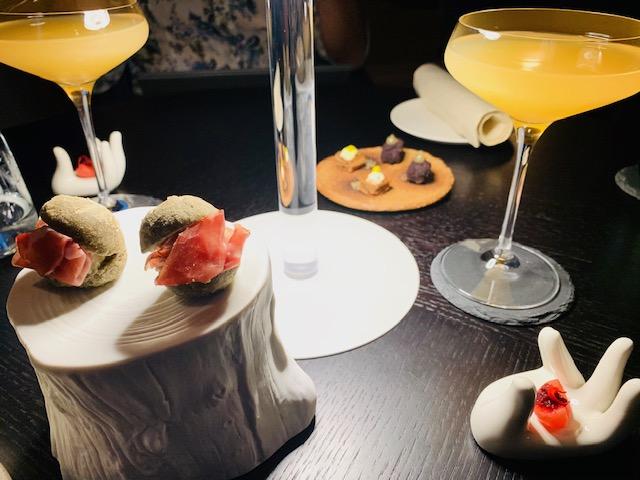 il cocktail Vitium e gli amuse bouche - Photo Credits @isabellaradaelli