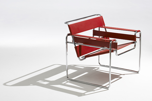sedia B3 di Marcel Breuer, nata nel 1925, riedita nel 1962 da Gavina con il nome di Wassily e oggi da Knoll