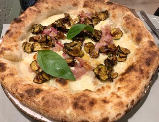 pizza Cacio & Pepe-Photo Credits @isabellaradaelli