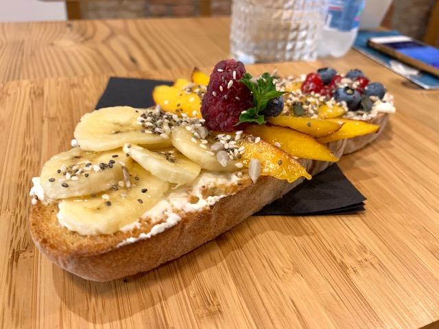 pane toscano con frutta fresca-Photo Credits @isabellaradaelli