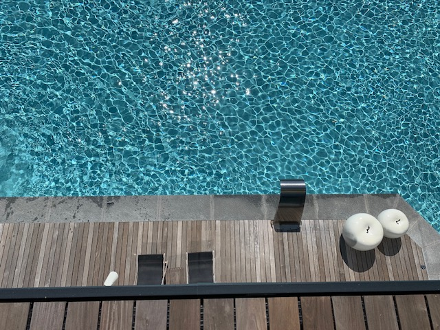 infinity pool-photo credits @isabellaradaelli