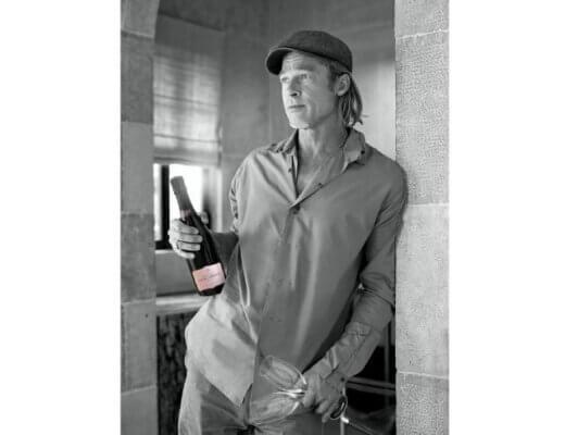 Fleur_de_Miraval Photo Officielle Brad Pitt MD - -PHOTO CREDIT_Champagne Fleur de Miraval