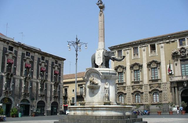 Catania - fontana dell'Elefante