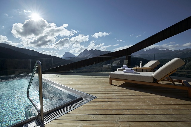 FORESTIS penthouse pool